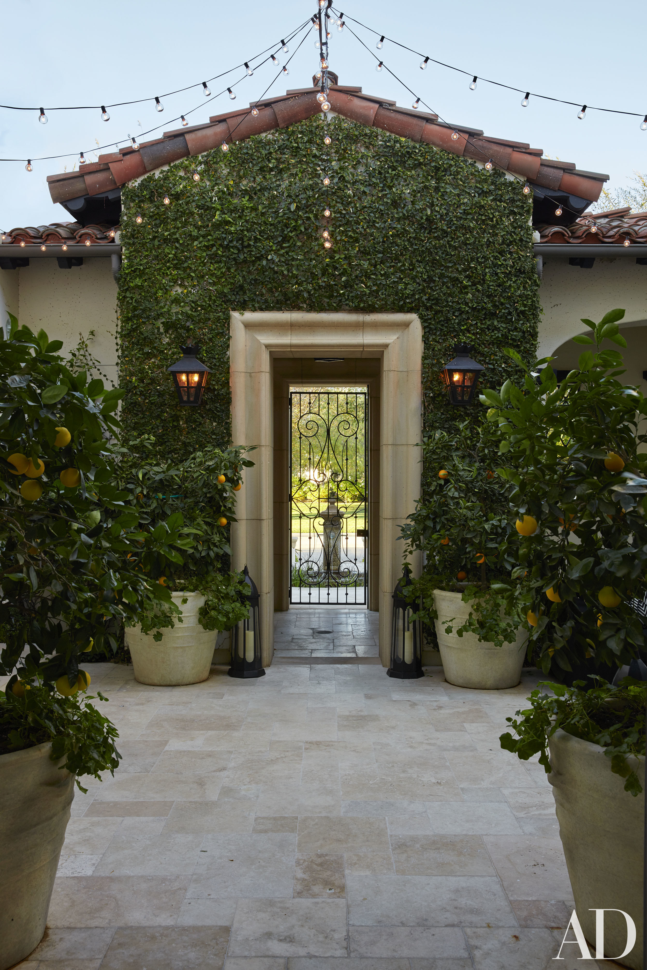 Inside Khloe Kardashian S House With Glamorous Moroccan Notes So